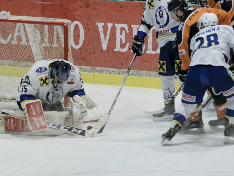 Eishockey, KEHV AHC Division 1, USC Pirates Velden - UECR Huben at Eishalle, Velden on 06 January 2020. Photo: Ernst Krawagner