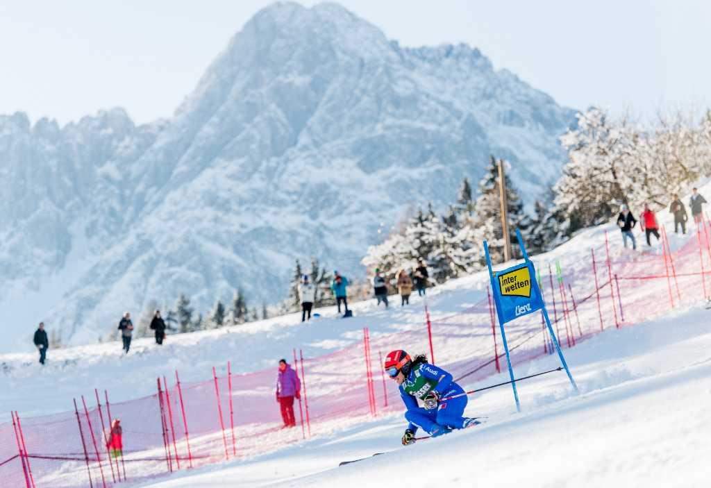 29.12.2017, Hochstein, Lienz, AUT, FIS Weltcup Ski Alpin, Lienz, Riesenslalom, Damen, 1. Lauf, im Bild Federica Brignone (ITA) // Federica Brignone of Italy in action during her 1st run of ladie's Giant Slalom of FIS ski alpine world cup at the Hochstein in Lienz, Austria on 2017/12/29. EXPA Pictures © 2017, PhotoCredit: EXPA/ Michael Gruber