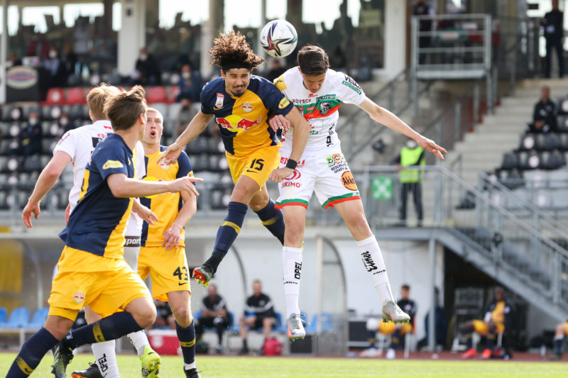 WOLFSBERG,AUSTRIA,25.APR.21 - SOCCER - tipico Bundesliga, championship group, Wolfsberger AC vs Red Bull Salzburg. Image shows Andre Ramalho Silva (RBS) and Tarik Muharemovic (WAC). Photo: GEPA pictures/ Christian Walgram - For editorial use only. Image is free of charge.