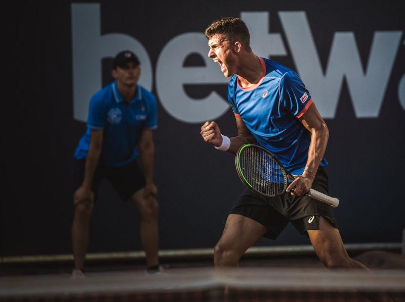 Alexander Erler jubelt über seinen Premieren-Sieg auf der ATP-Tour//credit:Mia Knoll
